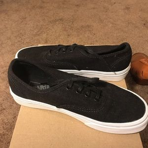 Like new , casual sneakers